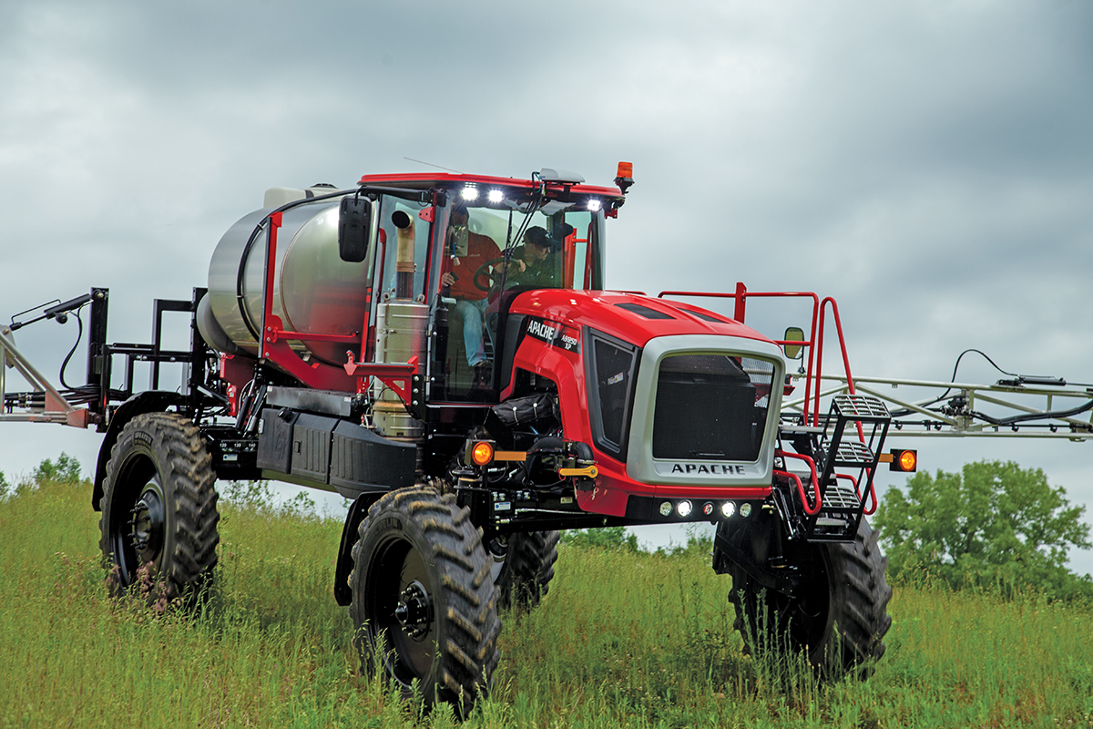 Apache-Sprayers-AS1250XP-Demo-8980